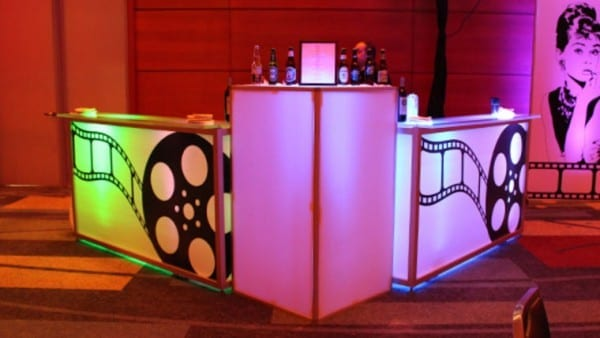 How to Plan a Hollywood Themed Event. Goodshuffle Pro. Goodshuffle Blog. Tips for Event Planning.